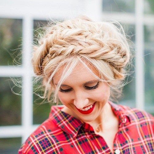 u neredu Blonde updo with fishtail braids