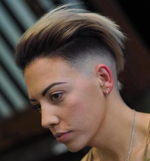 Pusė Shaved Short Hairstyle For Women