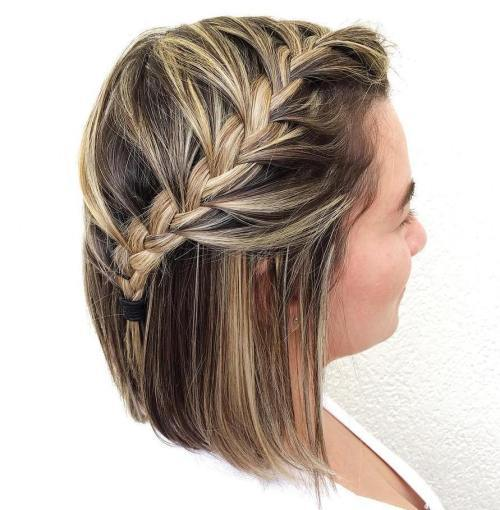 Pusė Up Braided Bob Hairstyle