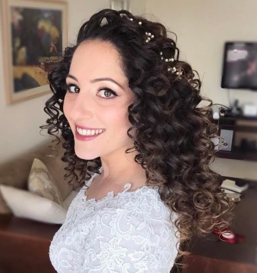 Vestuvės Long Curly Hairstyle