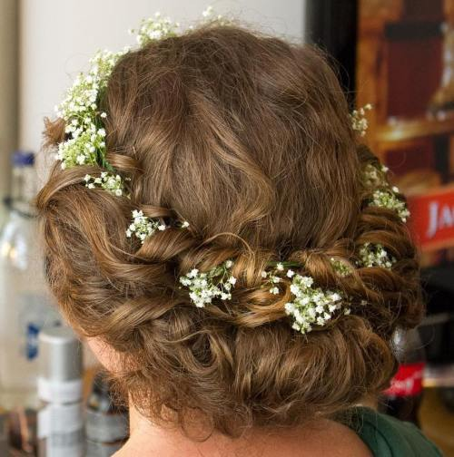 Valcuoti Updo With Floral Crown