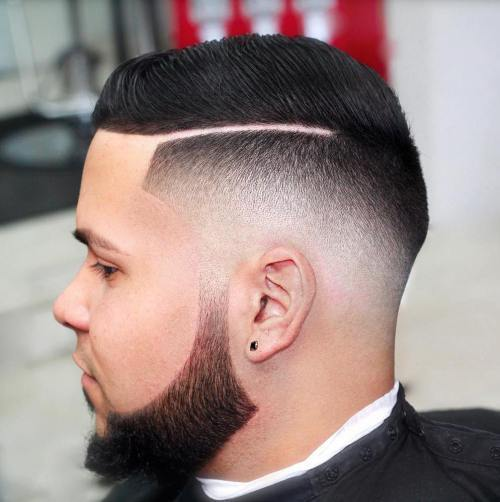 קַו Up With Fade And Shaved Side Part