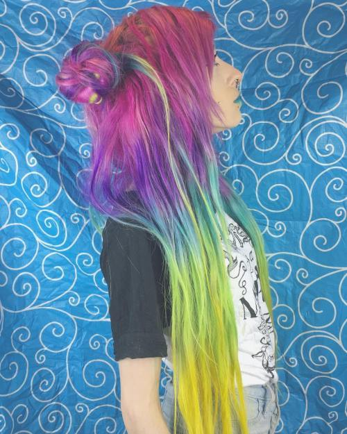 Lang Colorful Emo Hairstyle