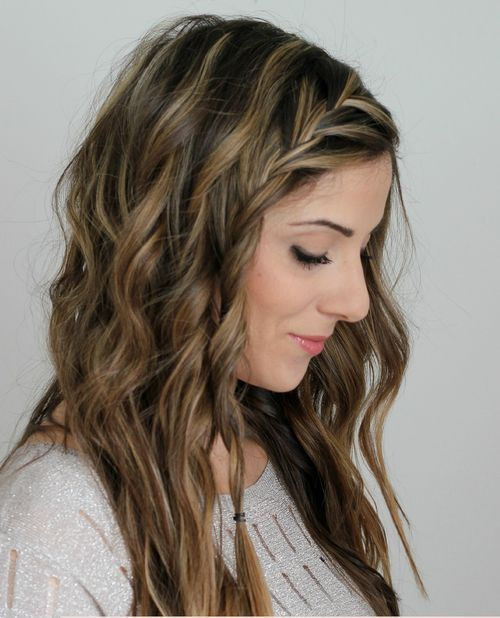 Plaža waves with side French braid