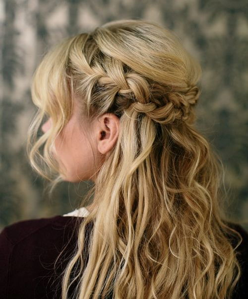 u neredu half up French braid hairstyle