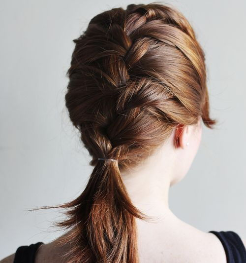 francuski braid hairstyle for medium hair