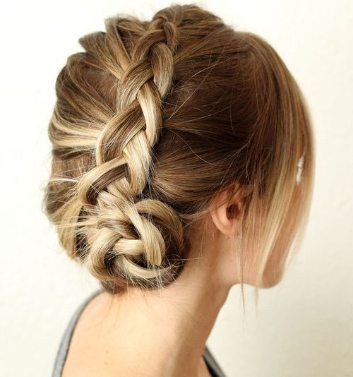 francuski braid into side bun updo