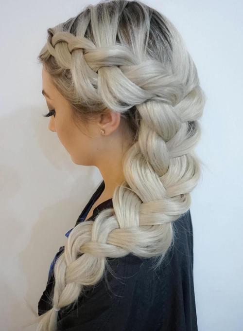 Ilgai Chunky Side Braid Hairstyle