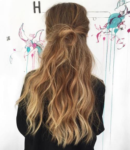 Rodet Half Updo For Long Wavy Hair