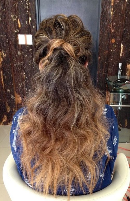 מְתוּלתָל long ponytail for ombre hair