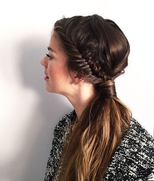 צַד pony with fishtail braid