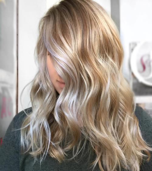 Šilta And Cool Toned Blonde Balayage