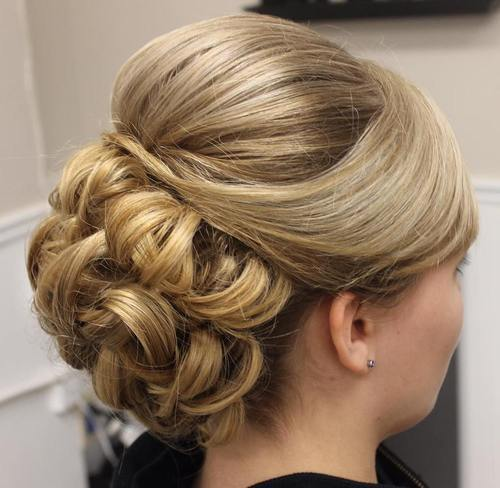formalan updo with a bouffant