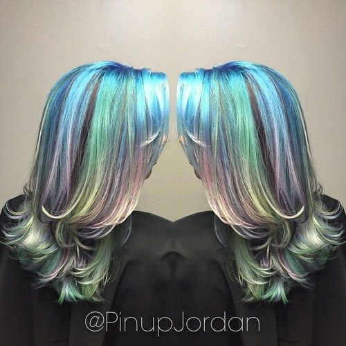 slojevito teal and lavender pastel hair