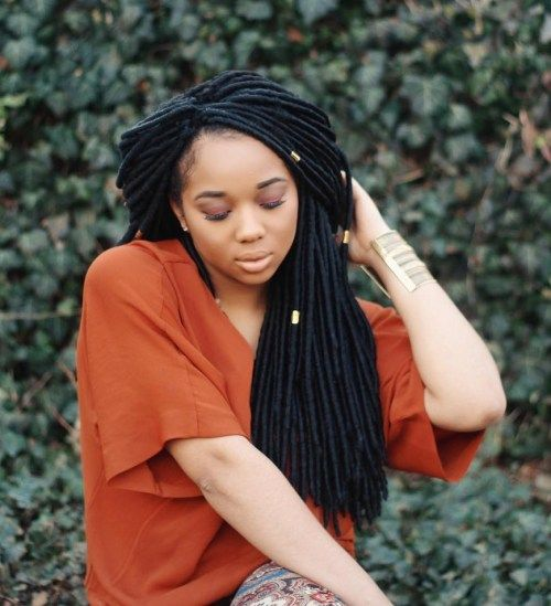 Juoda Faux Locs With Beads