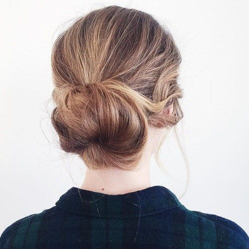אַגָבִי Low Bun Updo