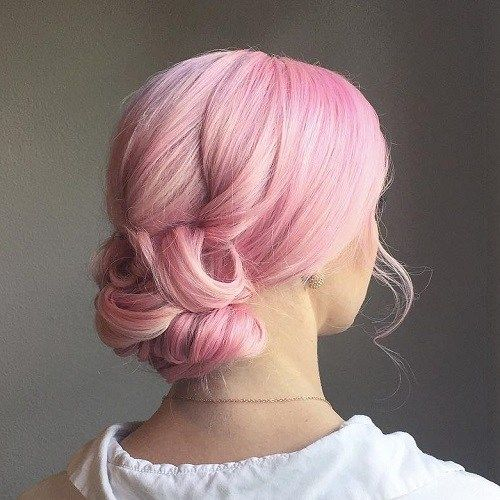 פַּסטֵל Pink Low Curly Bun