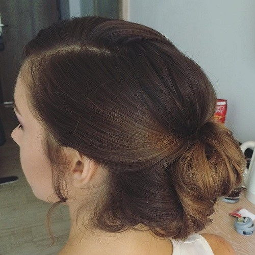 מְשׁוּחרָר Bun Updo For Long Hair