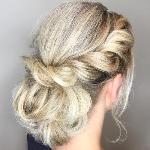 מְפוּתָל crown low bun
