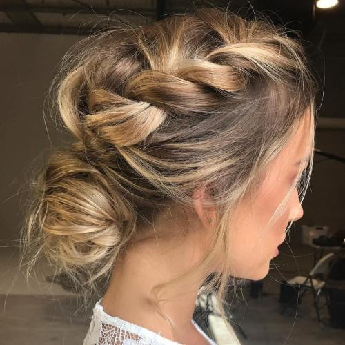 מבולגן Braid And Low Bun Updo