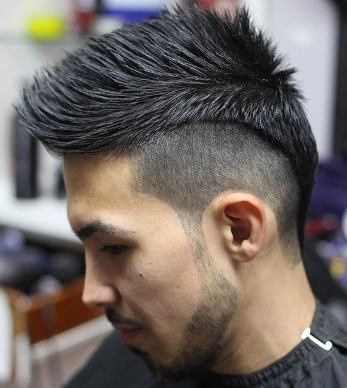 muškarci's spiky haircut with undercut