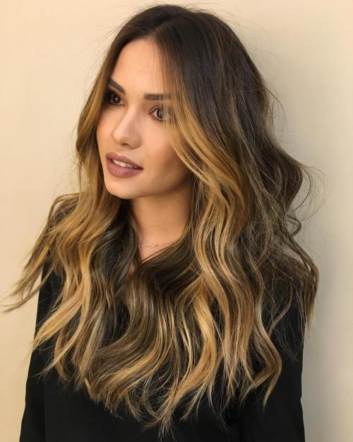 sluoksniuota brown hair with golden brown highlights