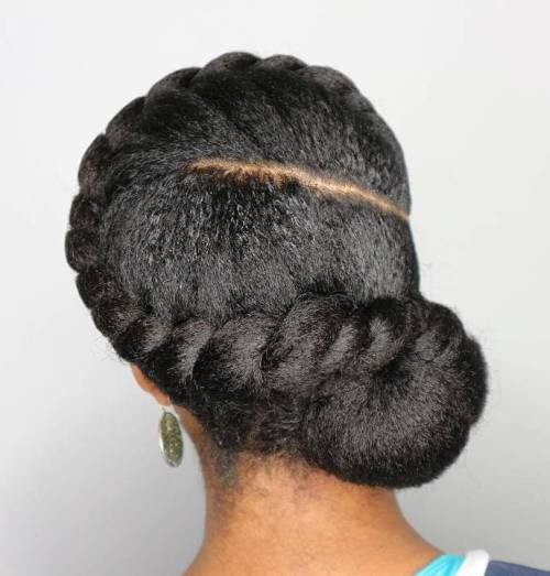 prirodni Twisted Updo With Low Bun