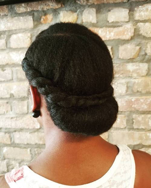 nizak Rolled Updo With A Twist