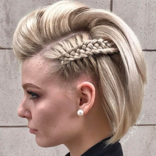 בוב Hairstyle With Pompadour And Side Braids