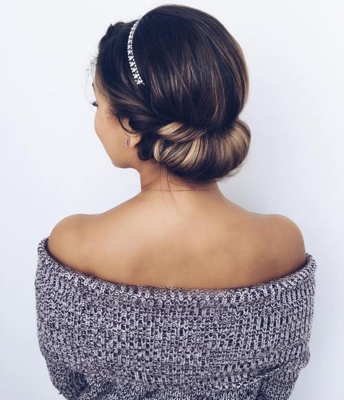 nizak Roll Updo With A Headband