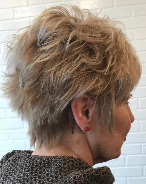 Kratak Spiky Hairstyle For Mature Women