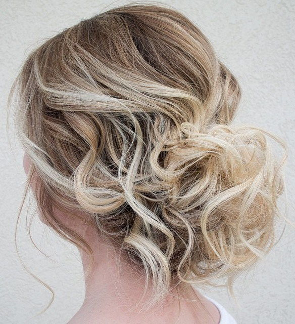 Žemas Loose Curly Updo For Thin Hair