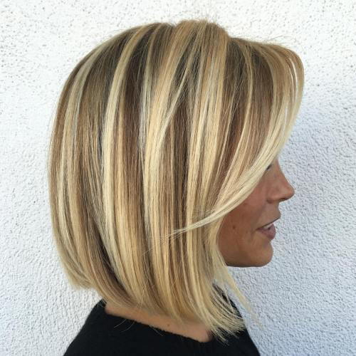 Plavuša Balayage Bob With Side Bangs