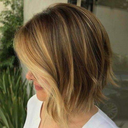 smeđ Choppy Bob With Golden Blonde Highlights