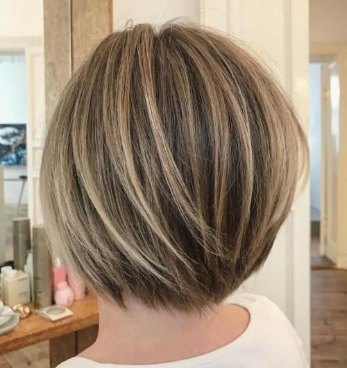 Kratak Layered Bob With Subtle Balayage