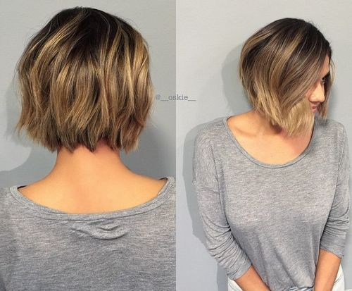 kratak textured bob with highlights