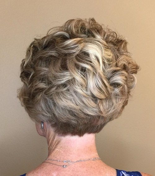 Per Curly Pixie With Stacked Nape