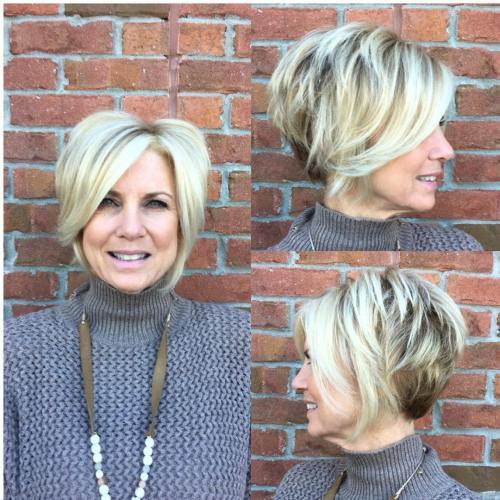Trumpa Layered Blonde Bob