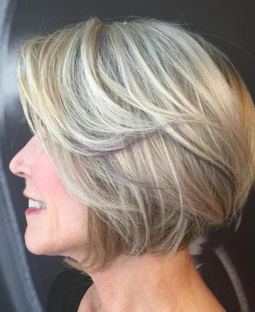 Šviesiaplaukis Balayage Bob For Older Women