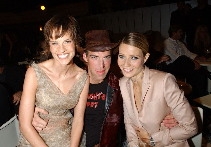 Hilari Swank, Kevyn Aucoin, and Gwyneth Paltrow during The 2001 VH1/Vogue Fashion Awards