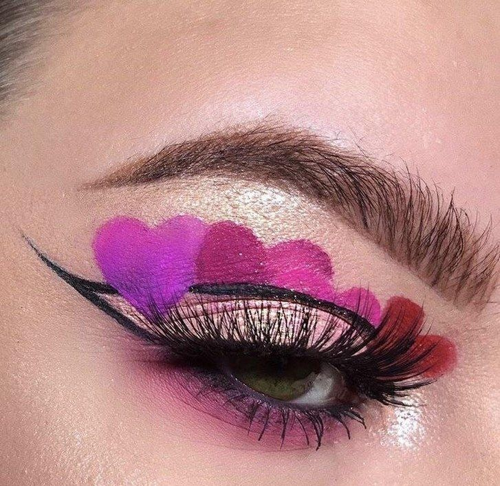 makro shot of heart cut creases