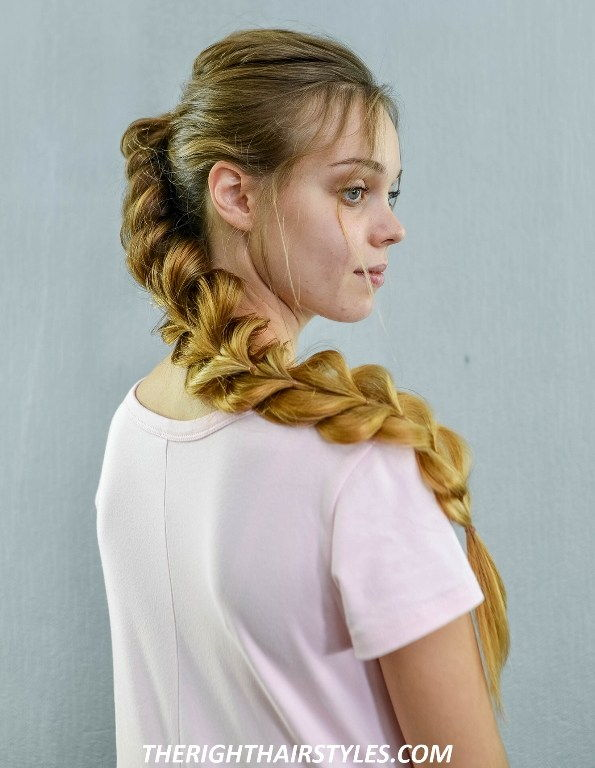 צַד Swept Pull Through Braid