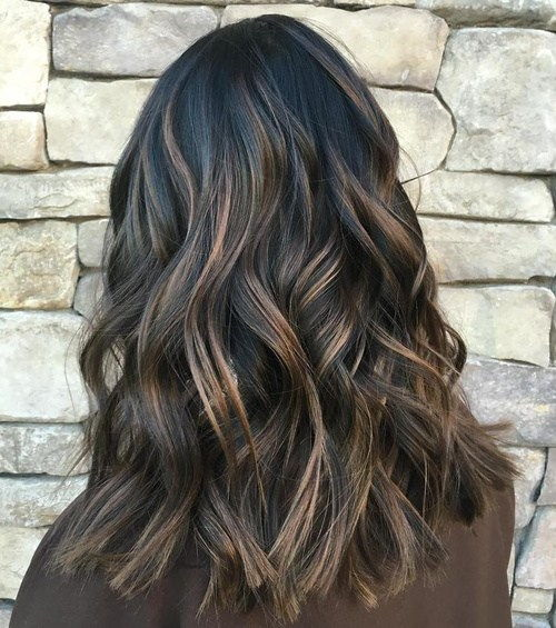 juoda hair with brown highlights