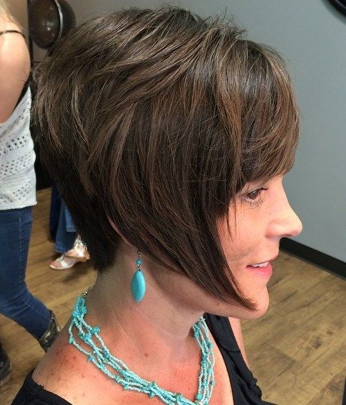 קצר layered bob with angled front pieces