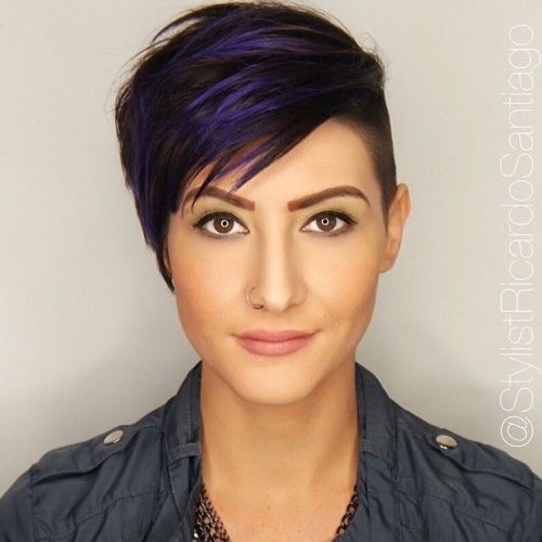 חום Pixie Undercut With Blue Highlights